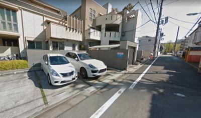 岡本駐車場