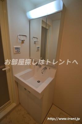 【独立洗面台】ヴォーガコルテ東新宿