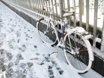 雪国で暮らしても安全に自転車に乗る方法とは?おすすめアイテムも紹介の画像