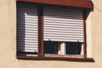 マイホームに窓シャッターを設置するメリットを解説の画像