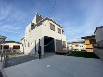 青空と白い家、Aさま宅が堂々完成しました♡の画像