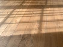 温かみを感じるお部屋作りにおすすめの無垢材そのメリットとはの画像