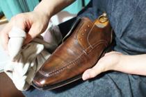 新橋駅周辺にあるおすすめの靴磨きのお店を紹介の画像