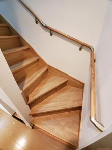 階段架け換え工事完了の画像