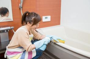浴室の黒カビの発生原因とは?賃貸住宅で有効なカビ掃除法の画像