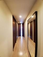 壁紙・トイレ・床・キッチンコンロをリフォーム。自動昇降機付き物干し器具が見ものです‼の画像