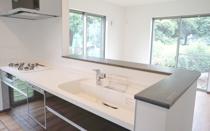 マイホームに対面式キッチンを取り入れる際のポイントの画像