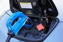 どうやれば便利?賃貸住まいで電気自動車を充電する方法!注意点も解説の画像