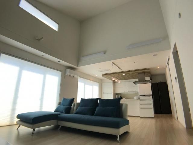 不動産購入検討中なら知っておきたい!勾配天井のメリット・デメリットの画像