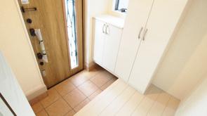 戸建ての2階に玄関やリビングを設置するメリットとデメリットとは?の画像