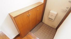 賃貸物件の玄関を明るく広く使いたい!狭い玄関の収納術をご紹介の画像