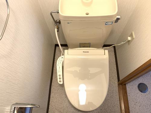 温水洗浄機能付便座への交換の画像