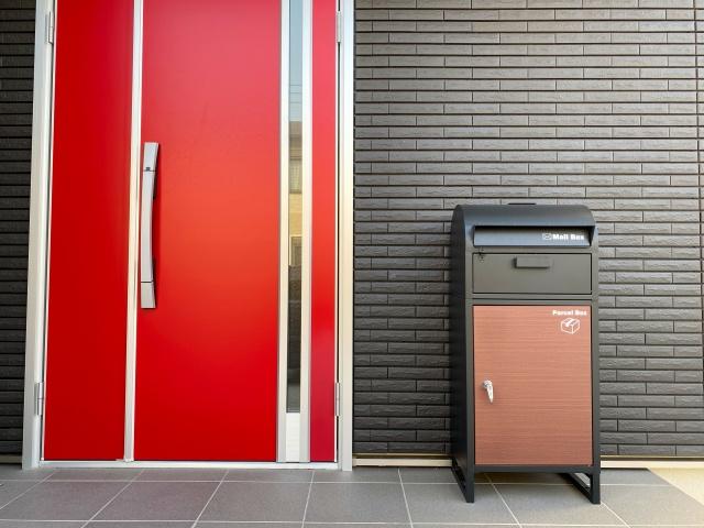 新築一戸建てに宅配ボックスを設置したい!設備やメリットを詳しく知ろう!の画像