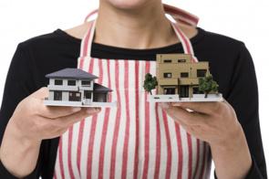 マイホームの買い替えのタイミングとは?買い換えのメリットと必要な年収をチェックの画像