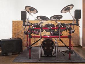 賃貸物件で電子ドラムを演奏したい人必見!ご近所トラブルを防ぐには?の画像