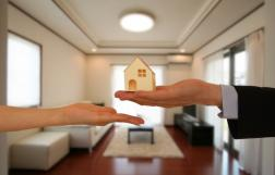 住みながら不動産を売却することは可能?方法と注意点を紹介の画像