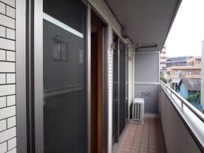住宅の窓に使用されている複層ガラスとは?メリットと注意点を解説の画像