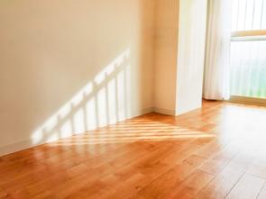 日当たりが悪い部屋を明るく見せるには?考え方を変える対処法も!の画像