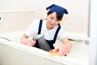 家のお風呂にカビが発生!その対処法や予防法とは?の画像