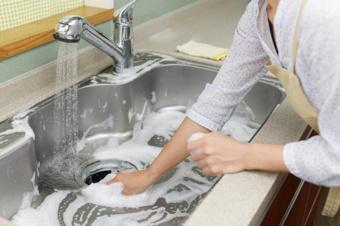 賃貸物件の「キッチン」の掃除方法と汚れの原因の画像