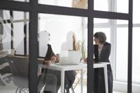 賃貸オフィスの魅力的な設備!ガラスパーテーションの基礎知識を解説の画像