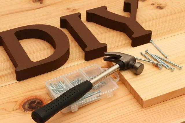 賃貸物件の床をDIYで変えてみよう!自分に合った方法や注意点とは?の画像