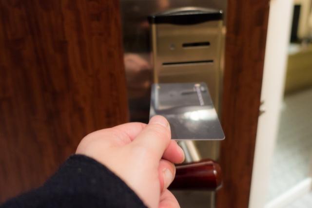 カードキー対応の賃貸物件は防犯に有利?メリットや注意点をご紹介!の画像