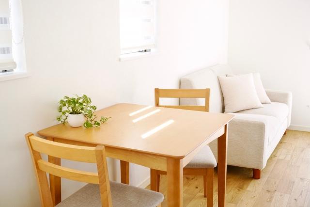 賃貸物件での一人暮らしにおすすめ!失敗しないテーブルの選び方の画像