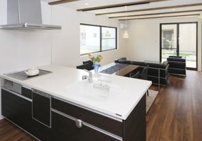 賃貸にある対面式キッチンは便利?対面式キッチンの種類とメリットの画像