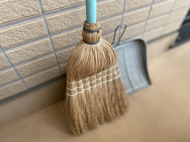 賃貸のベランダ掃除の仕方とは?退去時の掃除と業者への依頼方法を解説の画像