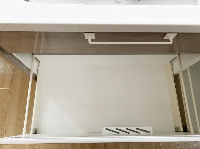 キッチンのシンク下を快適に!賃貸物件での暮らしに役立つ収納術とは?の画像