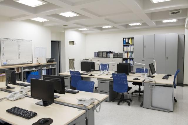 オフィスの適切な明るさとは?明るさの基準や生産性への影響をチェック!の画像