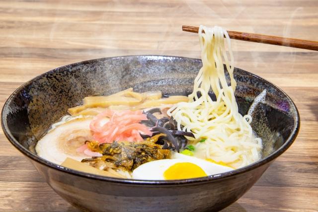福岡市でとんこつラーメンを食べるなら!人気お店2選をチェック!の画像