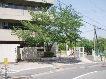 吹田市立 東山田小学校の画像1