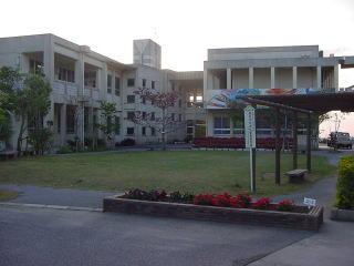 高嶺中学校の画像1
