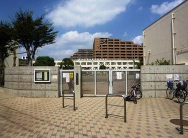 世田谷区立 塚戸小学校の画像1