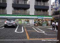 ファミリーマート 牛込柳町駅前店