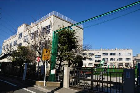 足立区立 扇小学校の画像