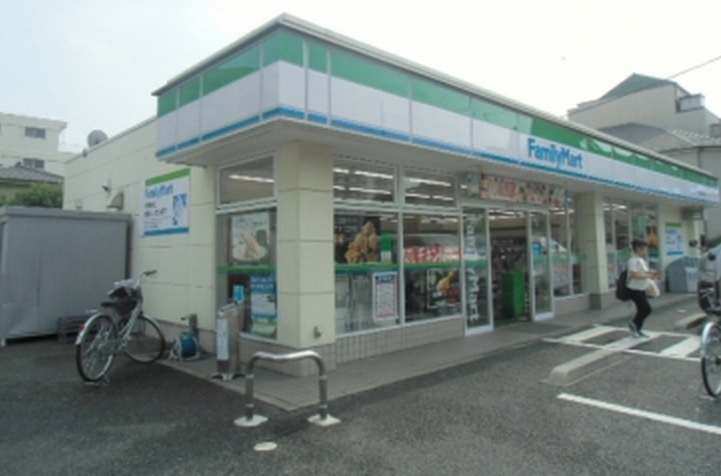 ファミリーマート東京成徳学園前店の画像