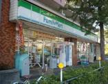ファミリーマート新桜台店
