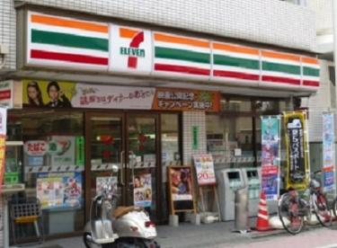 セブンイレブン北区岸町1丁目店の画像1