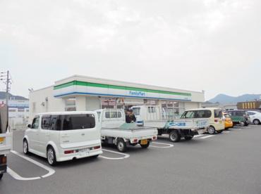 ファミリーマート 神辺町川南店の画像1