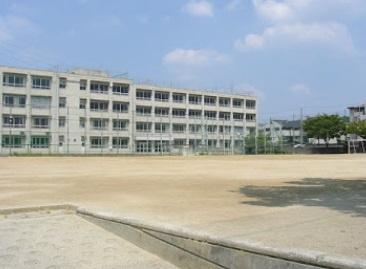 第十六中学校の画像1