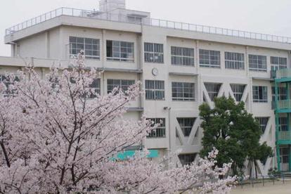 尼崎市立 金楽寺小学校の画像1