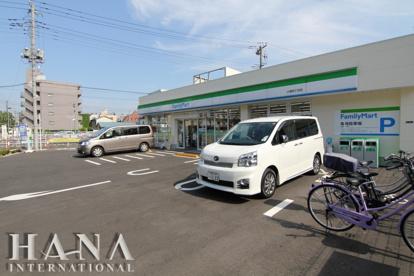 ファミリーマート 小菅四丁目店の画像1