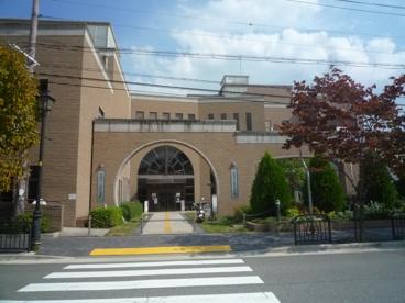 宝塚市立西図書館の画像1