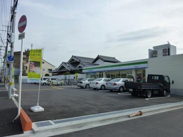 ファミリーマートコア西堤本通西店の画像1