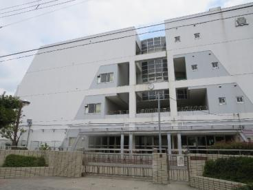 六月中学校の画像2