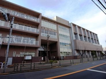 足立区立 西新井小学校の画像2