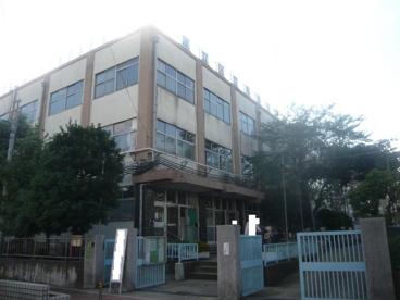 足立区立 亀田小学校の画像2